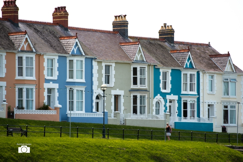 Colorful houses in New Quay / Wales by Reinhold Staden