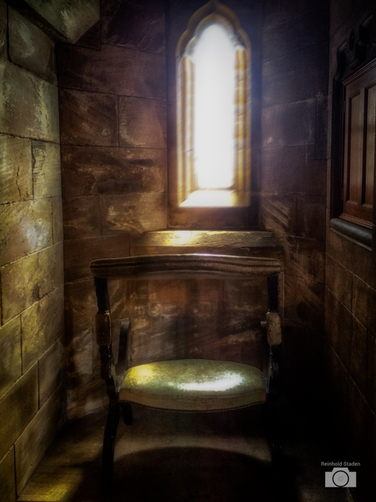 Prayer Room / Bamburgh Castle by Reinhold Staden